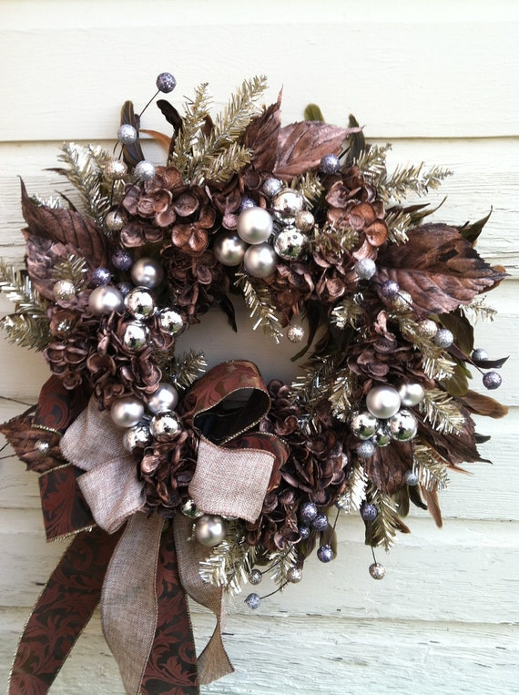 Elegant bronze silver christmas wreath with feathers