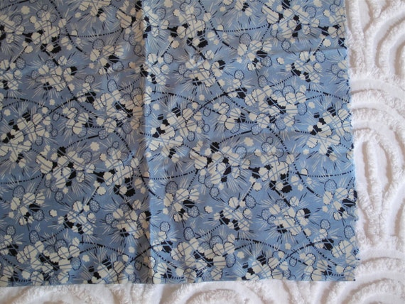1940s Rayon Fabric - Blue and Navy Print - Dress Fabric