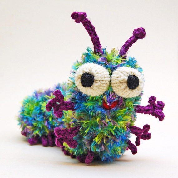 Knitting Patterns Plush Toys : Cuterpillar Amigurumi Caterpillar Plush Toy Knitting Pattern
