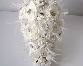 Teardrop Brooch and Feather Bouquet - White