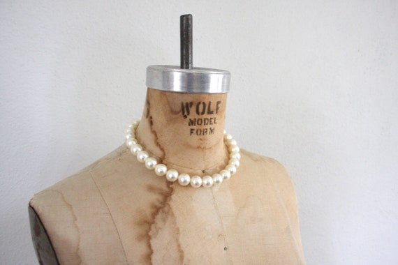 Vintage Pearl Necklace // Mid Century Pearl Necklace // 1960s Pearl Choker