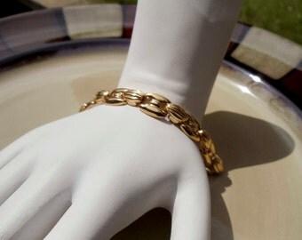 Vintage gold toned metal bracelet
