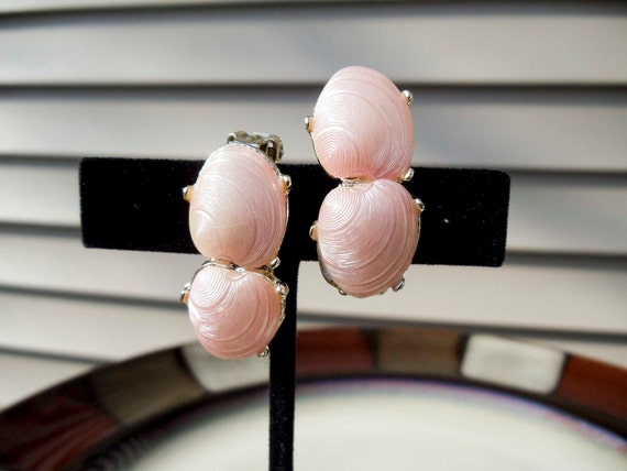 Vintage Pink Sea shell clip on earrings