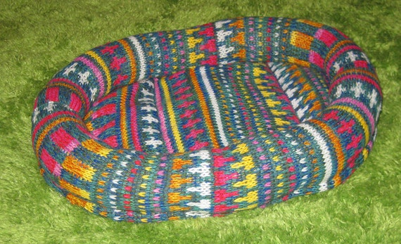 Cozy Cat Bed made from Upcycled Sweaters