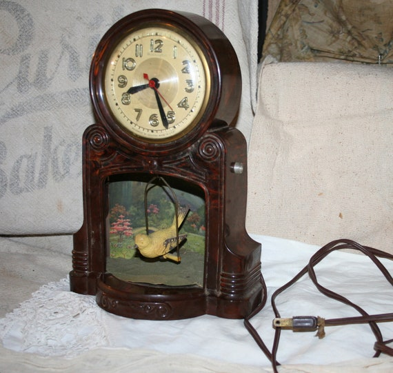 Vintage Bakelite Master Crafters Swinging Bird Electric Clock Mid-Century Sessions AS IS