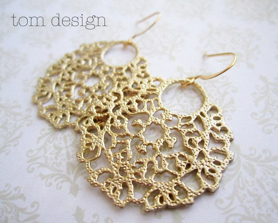 CLEARANCE Victoria - Gold Lace Dangle Earrings, Victorian Design, Bride, Bridesmaid, Wedding
