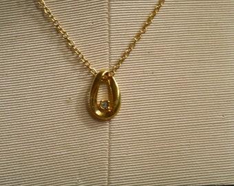 Rhinestone Golden TEARDROP Pendant Goldtone Vintage 18 inch long necklace