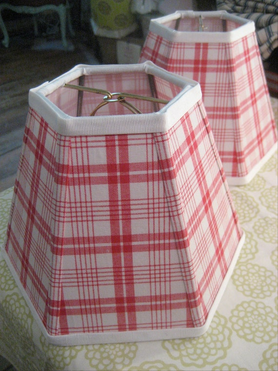 Red Vintage Cottage Check Shade