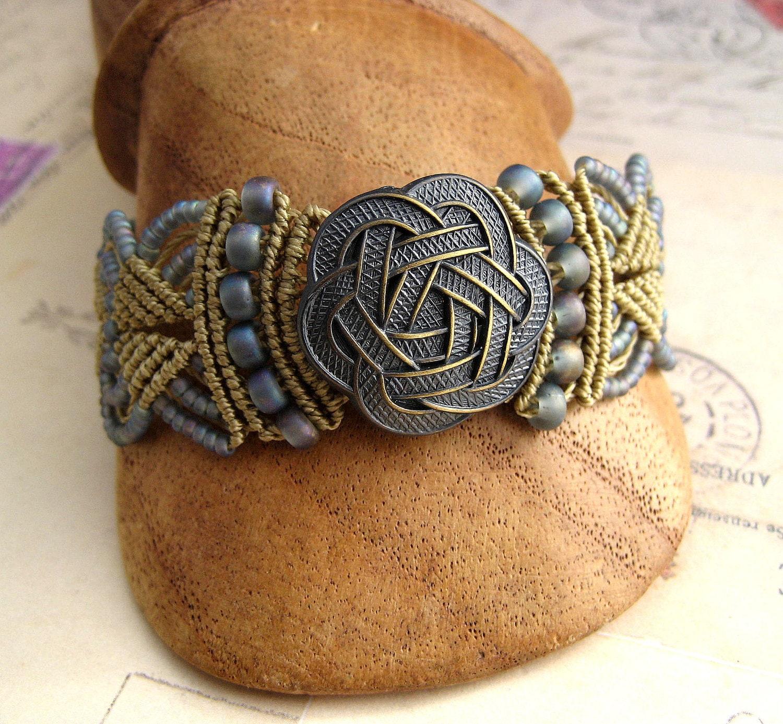 celtic knot beaded macrame bracelet silver blue and brass. Black Bedroom Furniture Sets. Home Design Ideas