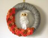 Owl Wreath, Autumn Wreath, Halloween Wreath, Yarn and Felt Wreath - 14 inch size
