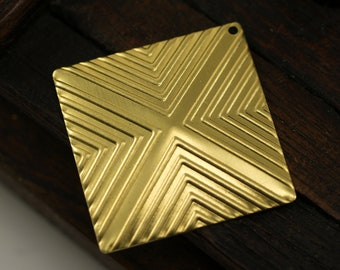 4 Raw Brass Square Pyramid Textured Pendant (30 X 30 Mm)  D269