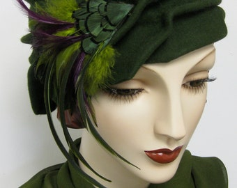 1920's Handblocked Pleated Cloche with Feathers