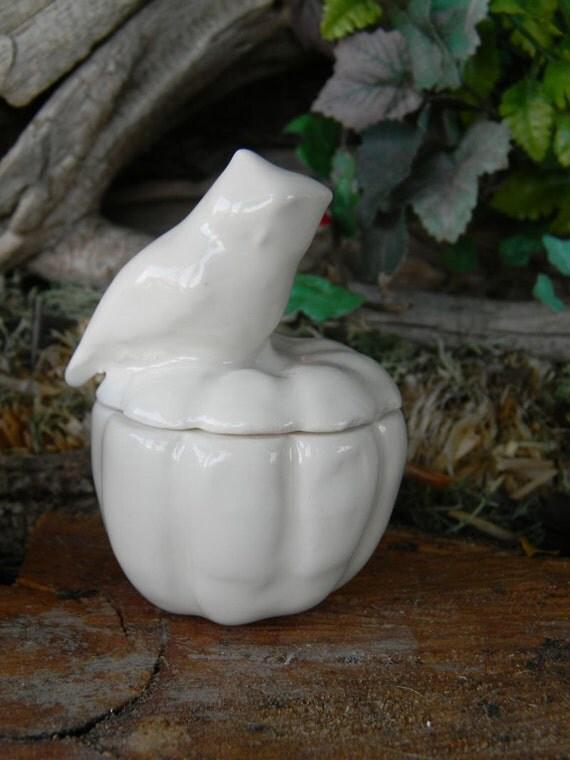 Owl on Pumpkin Salt Dish Bowl  Ash Tray   Vintage  Style Ceramic glazed desk sized, coin holder, ring bearer dish, jewelry