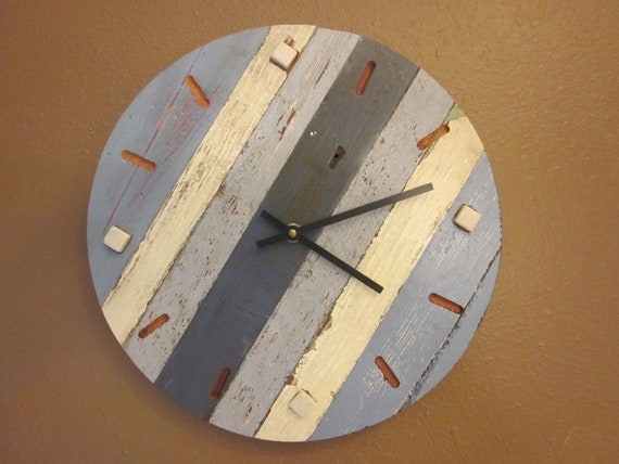 Reclaimed wood wall clock by HilltopWorkshop on Etsy