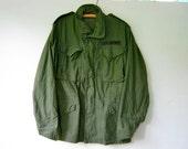 vintage green army jacket coat // men's small