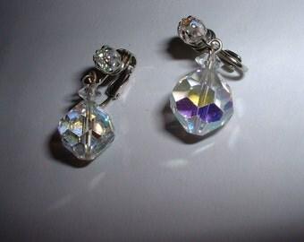 Vintage Lisner Crystal Aurora Borealis Dangle Clip On Earrings