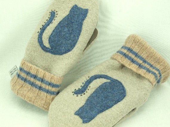 Cat Mittens from Felted Wool Beige and Blue Cat Applique Leather Palm Fleece Lining Eco Friendly  Up Cycled