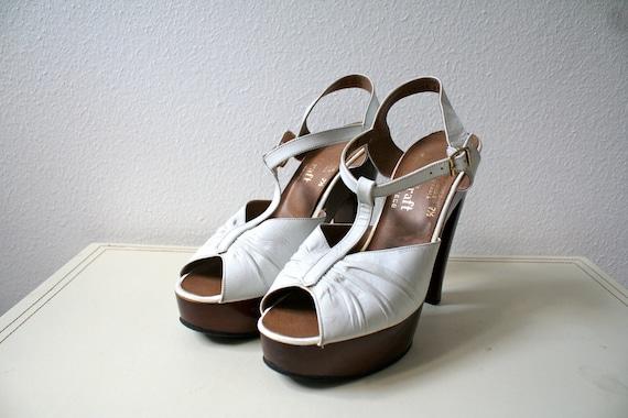 1970s platform heels : White t-strap heels