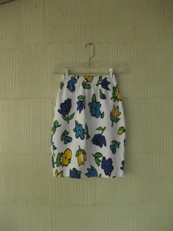 VINTAGE 80s floral bright body con mini skirt