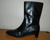 Vintage Cole Haan Black Leather Italian Womens Low Heels Boots Size 9.5 B Nice Boots