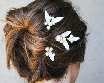 Vintage Wedding Hair Accessories, Bobbie Pins of Ivory Pearls and Vintage Glass Leaves, Bridal Hair Pins Garden Wedding