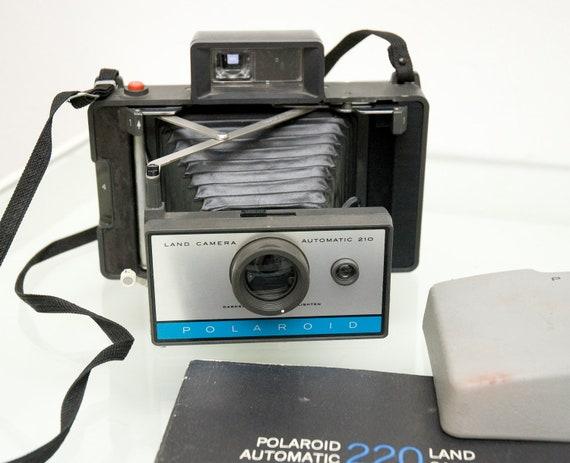 Vintage Polaroid 210 Pack Film Camera