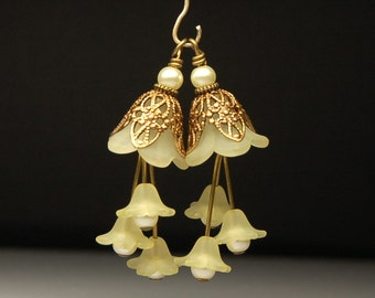 Bead Dangles Vintage Style Yellow Lucite Flowers Pair Y19