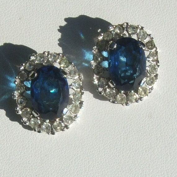 Signed CROWN TRIFARI Sparkling Rhinestone Blue and Clear CLIP Earrings