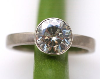 Moissanite Facets 2 Carat Modern Engagement Ring In 18k Gold