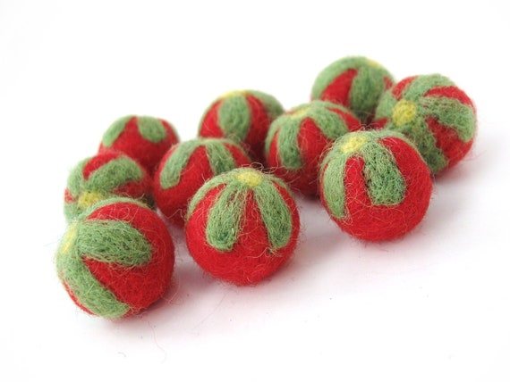Red Felt Balls with Green Flower - 10 Pure Wool Beads 20mm - Flat rate shipping