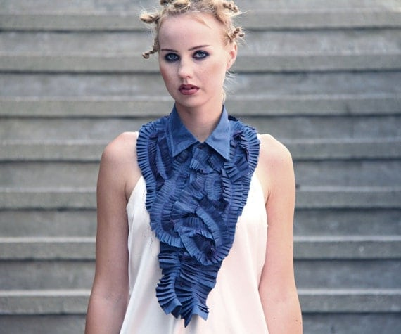 Reserved for Kfh04 Kfh04 - Pleated peacock blue huge jabot - One of a kind