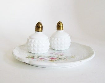 Vintage Salt and Pepper Shakers - White Milk Glass - Shabby Chic Cottage Kitchen