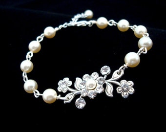 Wedding bracelet, Bridal bracelet, Wedding jewelry, Pearl bracelet, Crystal bracelet, Vintage style bracelet, Swarovski crystals and pearls