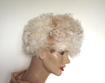 Curly Sheepskin Hat / Vintage 70s Hat / Gottesman NY Bonwit Teller / Sz XS / Ethnic Tribal Look