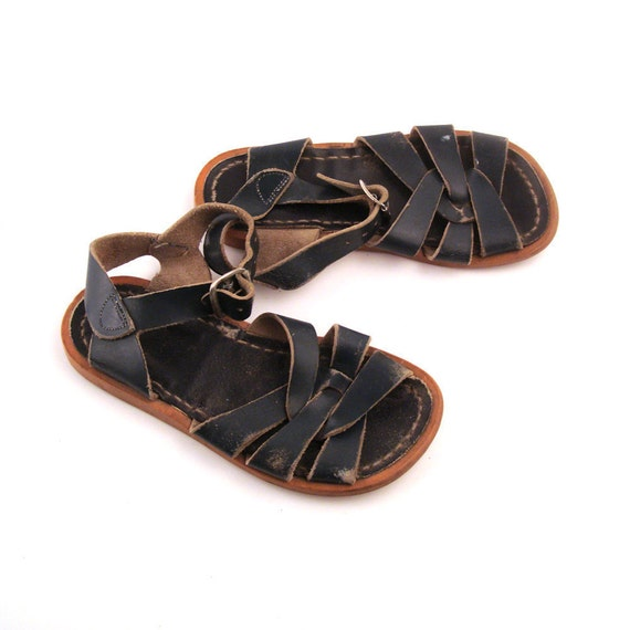 Vintage 1980s Saltwater Navy Blue Leather Sandals Kid's size 9