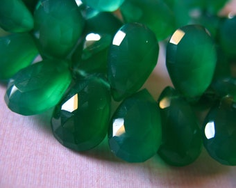 Shop Sale.. CHALCEDONY Briolette, PEAR Beads Briolettes, Luxe AAA, 6 pcs, 10-12 mm, Green Onyx, brides bridal weddings may 1012