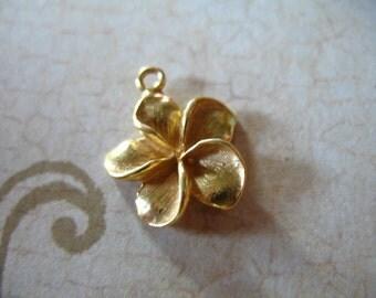 2-25 pcs, PLUMERIA Charm Pendant, FLOWER Charm Pendant, 24k Gold Vermeil, 15.5x14 mm, hawaii flower exotic floral nature
