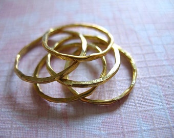 1 ring, 14k Gold Filled KNUCKLE Stacking Stackable Stack Midi Rings, Hammered Stack Ring, Gold Wedding Rings, sr1 c solo