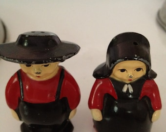 Mr. and Mrs. Amish Salt and Pepper Shakers Vintage