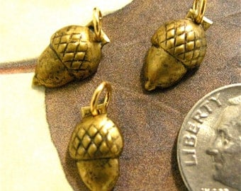 Small Metal Acorn Findings with jumprings (6)