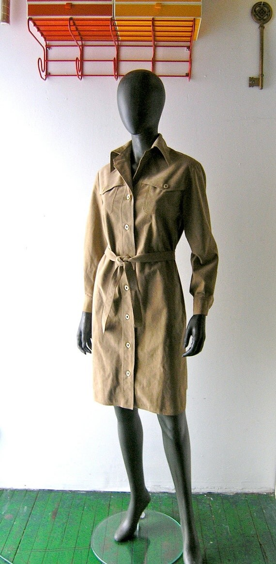 70s Halston khaki ultrasuede safari shirt dress  - belted waist 36 38 bust size 8/10 - designer 1970s