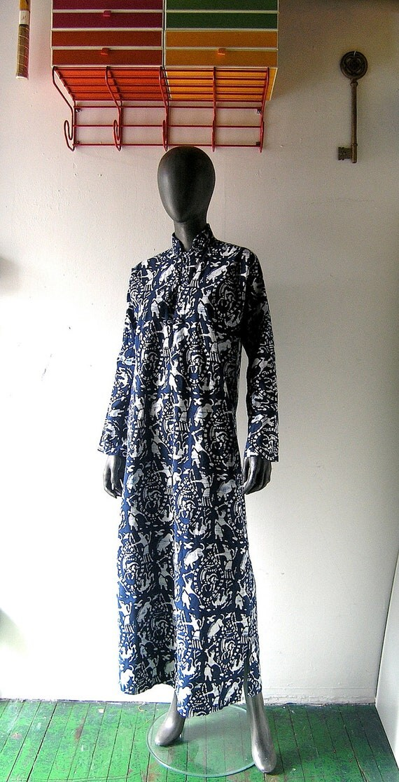 Palm Beach chic cotton caftan lounger dress - poolside chic in blue and white batik hand print resort chic - Palm Springs country club glam