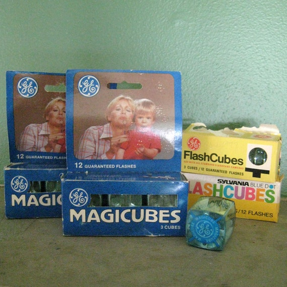 Vintage Flashcubes, 4 Packages, 12 Cubes, 48 Flashes, NOS