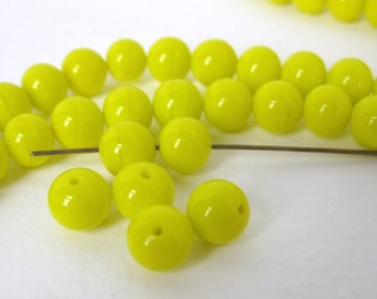 Vintage Japanese Beads Glass Canary Yellow Rounds 8mm vgb0491 (20)