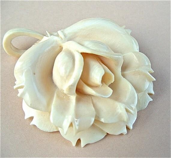 Vintage Celluloid Necklace Pendant - Wedding Cake Cream - Large Rose Lotus Flower
