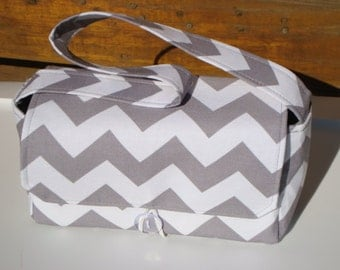 Medium Size Coupon Organizer Holder - Attaches to your shopping cart - Chevron / Zig Zag Gray and White