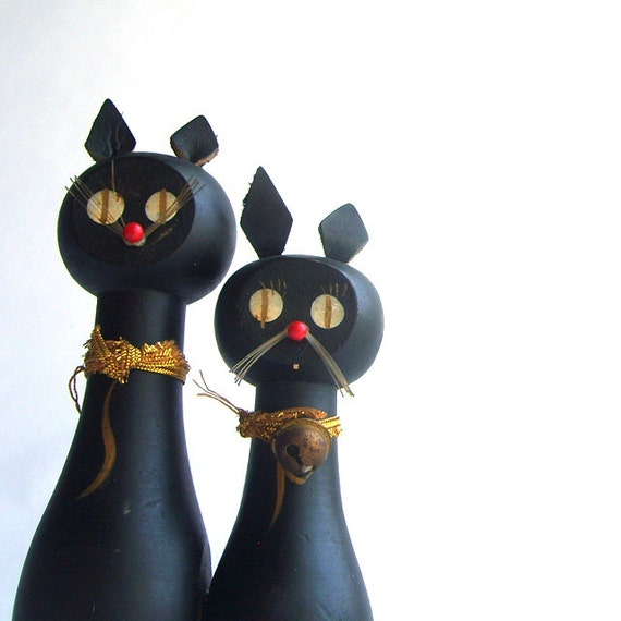 Unlucky Black Cat Salt and Pepper Shakers