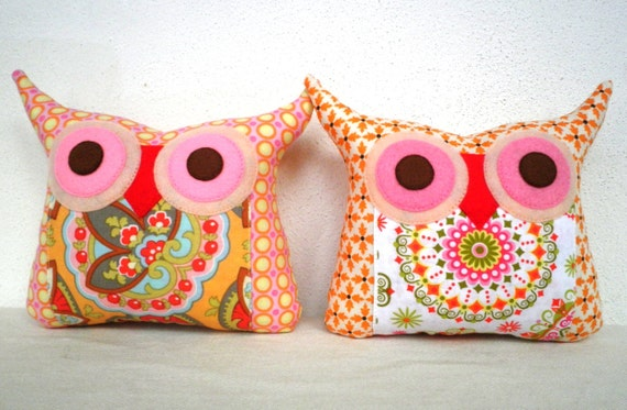 NEW//TWO/Polyfil Stuffed little owl pillows decoration/collection - Ready to ship