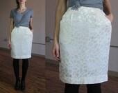 Vintage high waisted ivory silk skirt / 1980s textured pencil skirt / leopard print in shiny matt fabric