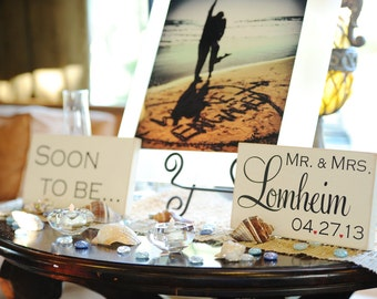 Soon to be - Mr & Mrs (W-023b) - wedding signs - photo props - engagement photos